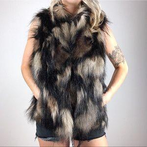 I.N.C. International Concepts faux fur vest sz L